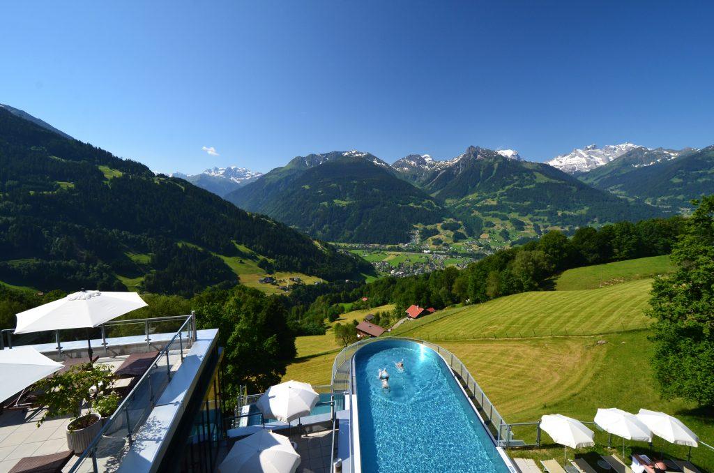 ferienhotel-fernblick-sky-pool-montafon-014