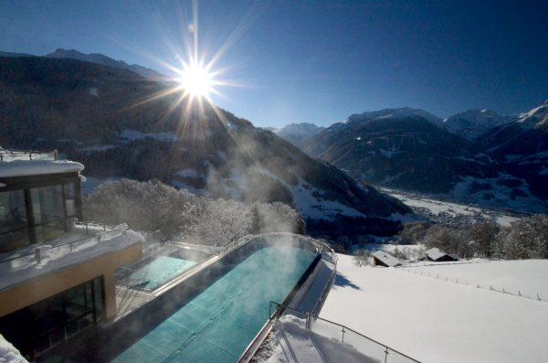 skypool-winter-tag-hochjochblick-ferienhotel-fernblick