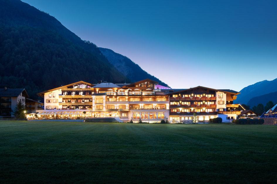 Alpine Wellnesshotel Karwendel Pertisau pres du lac Achensee Tyrol Ete